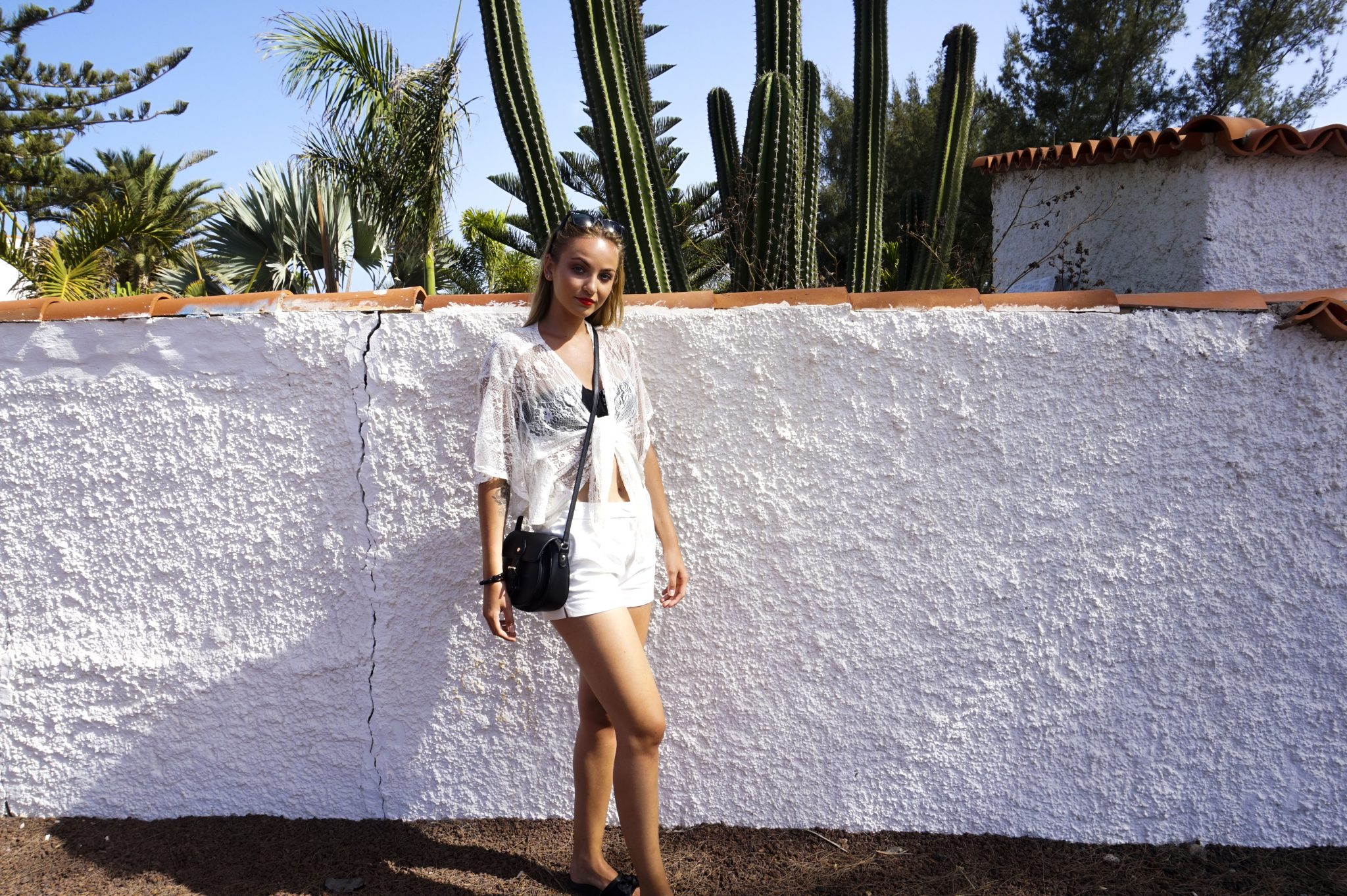 white and black outfit photo from gran canaria