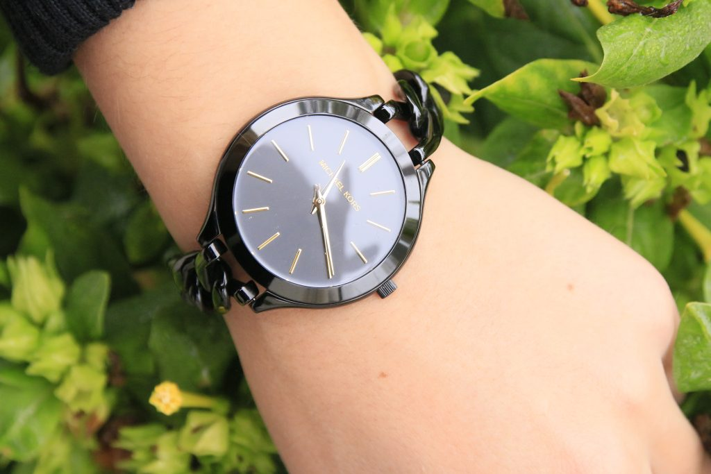 close up michael kors watch