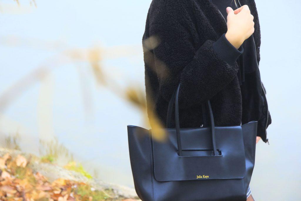 Julia Kays leather bag in black