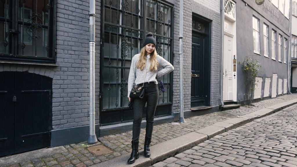 winter outfit cold copenhagen casual day outfit jacket leather boots black scarf black beanie