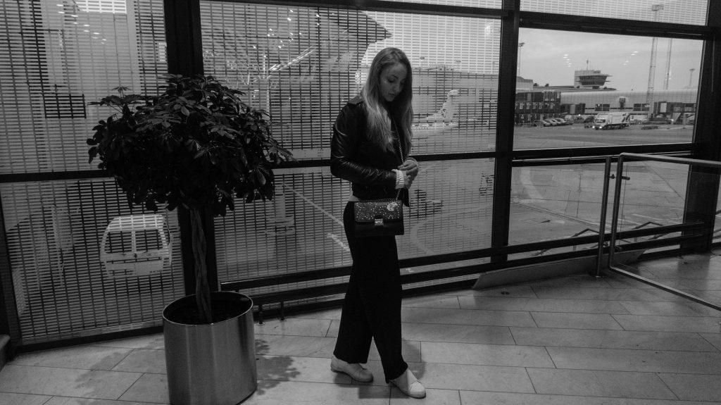 airport vibes fashion style travel outfit