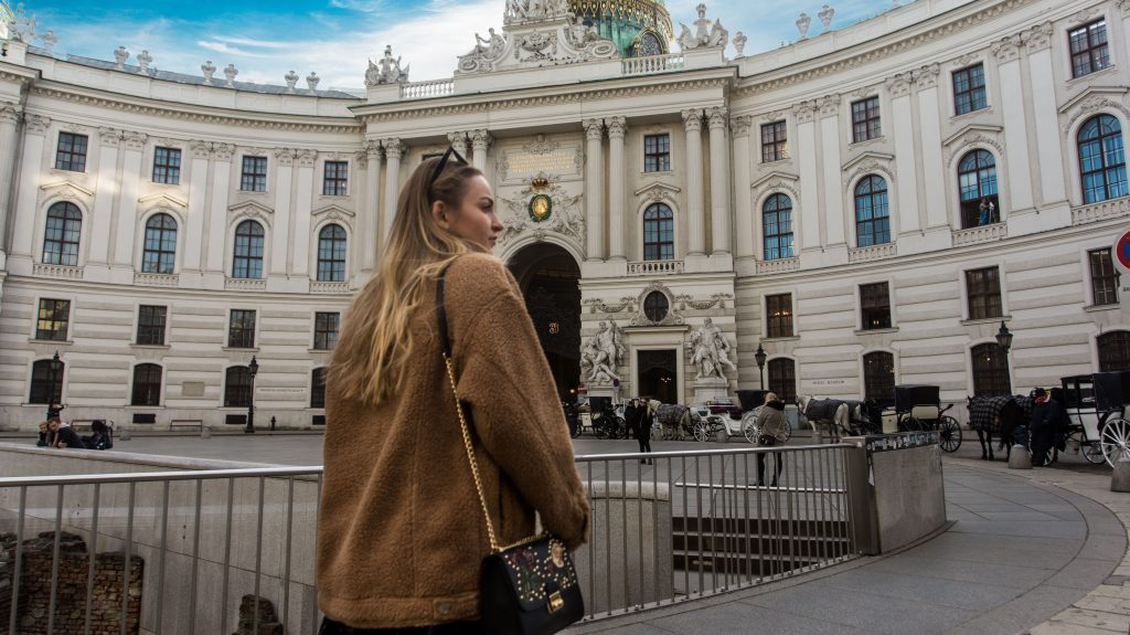 vienna city center close up teddy jacket rayban glasses michaelerplatz