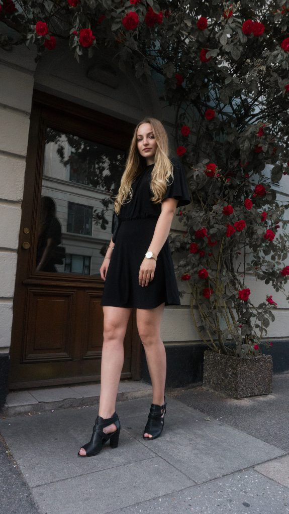 allaboutmelisa blog black dress from ginatricot