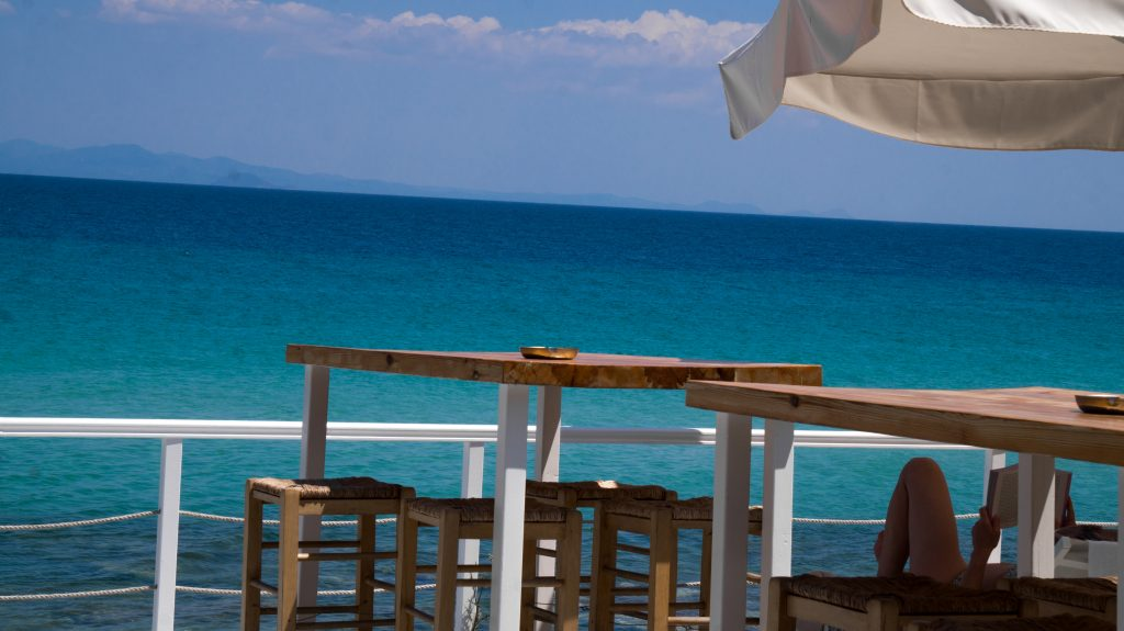 afytos beach bar blue turquoise ocean sandy beach greece halkidiki lime beach bar